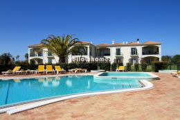 Elegant 3-bed apartment in a prestigious golf resort...